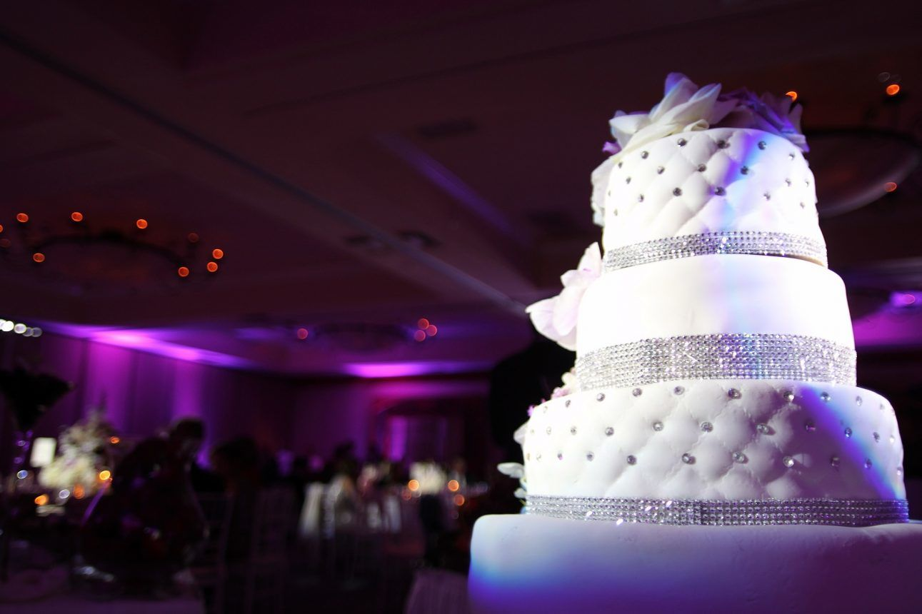 cake pinspot lighting 2